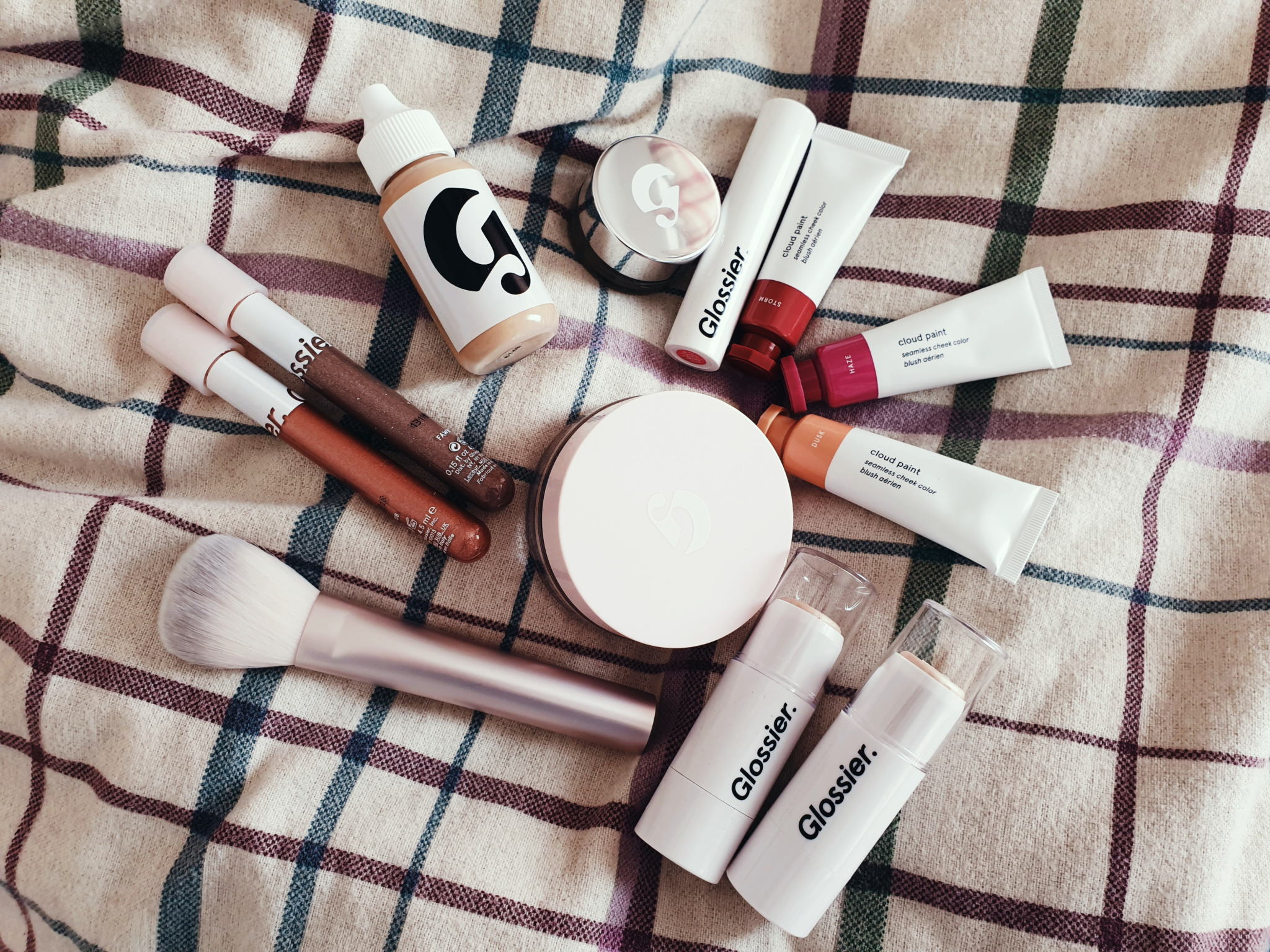 I Tried A Full Face of Glossier Make-up